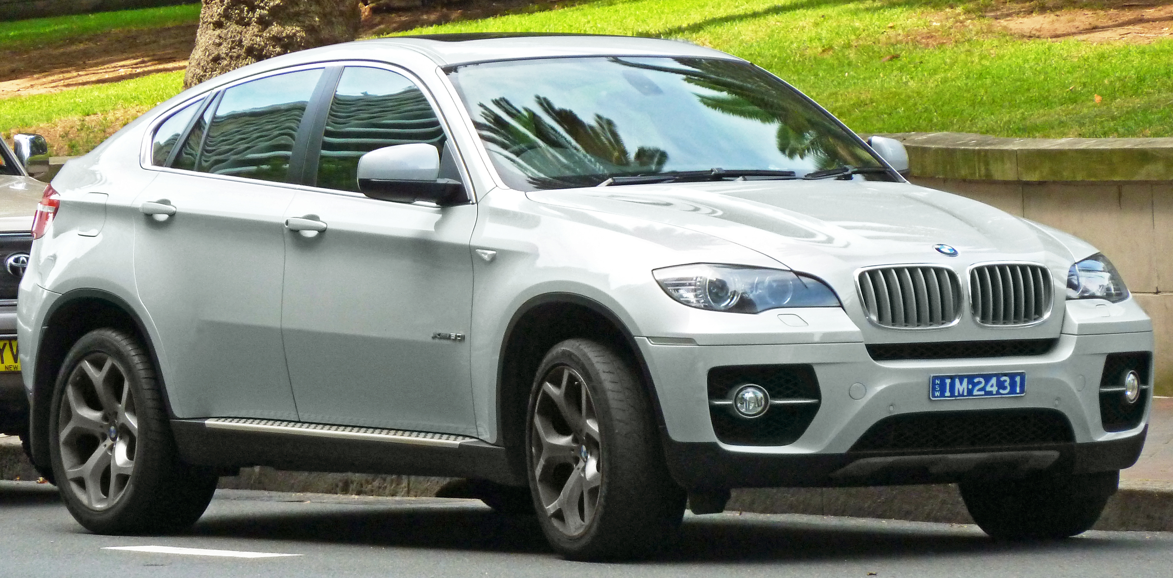 File 2008 2011 Bmw X6 E71 Xdrive50i Wagon 2011 11 08 01 Jpg Wikimedia Commons