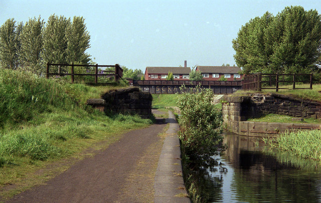 Abutments of old railway bridge, Manchester Bolton and Bury Canal - geograph.org.uk - 757303