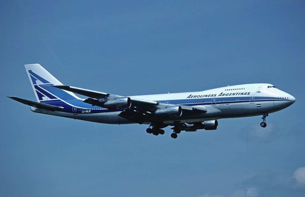 File:Aerolíneas Argentinas Boeing 747-200B LV-MLR ZRH May 1981.png ...