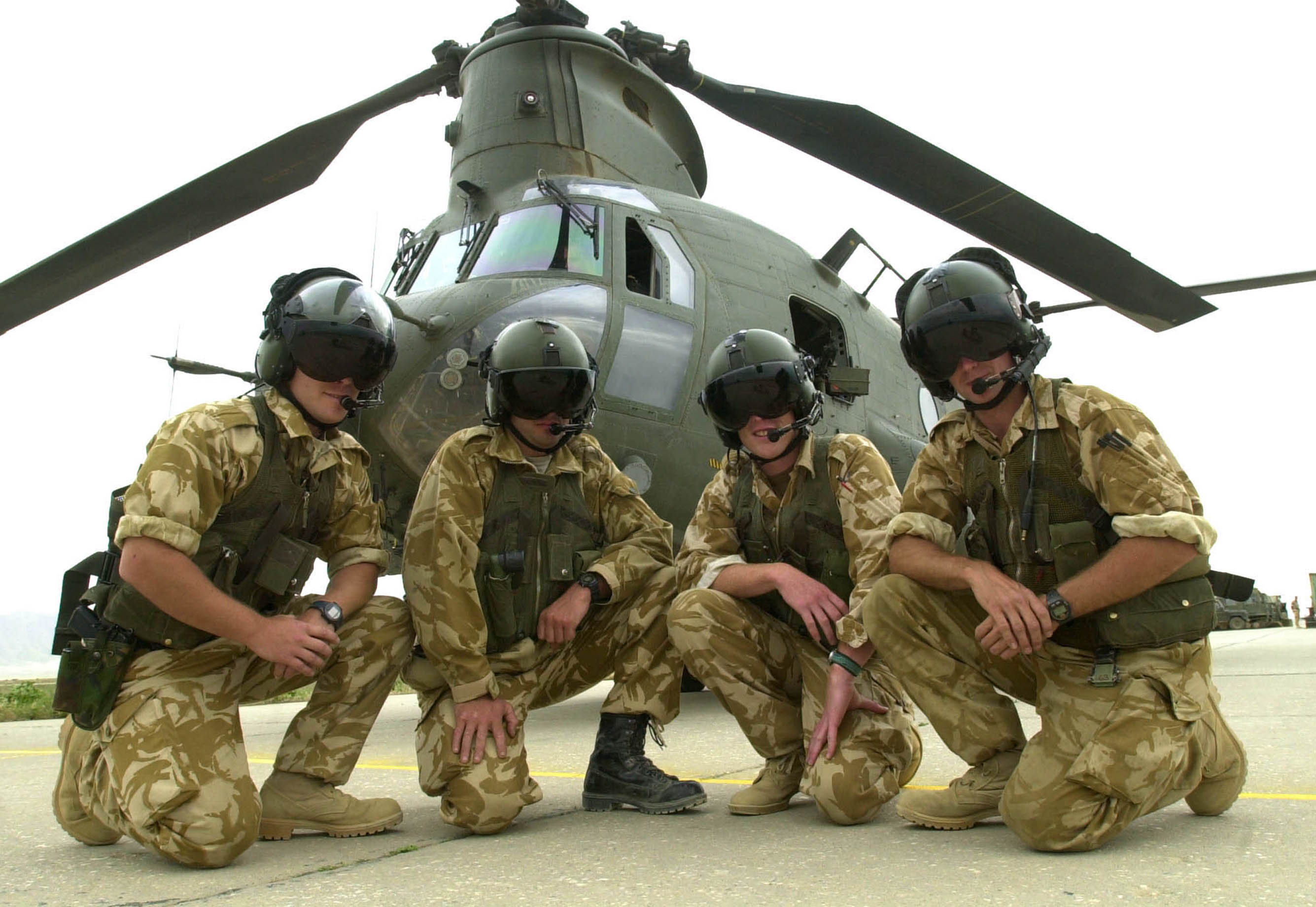 File:Aircrew from a CH47 Chinook Helicopter, part of 27 ...