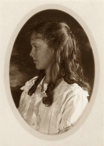 Anne Morrow Lindbergh portrait 1918