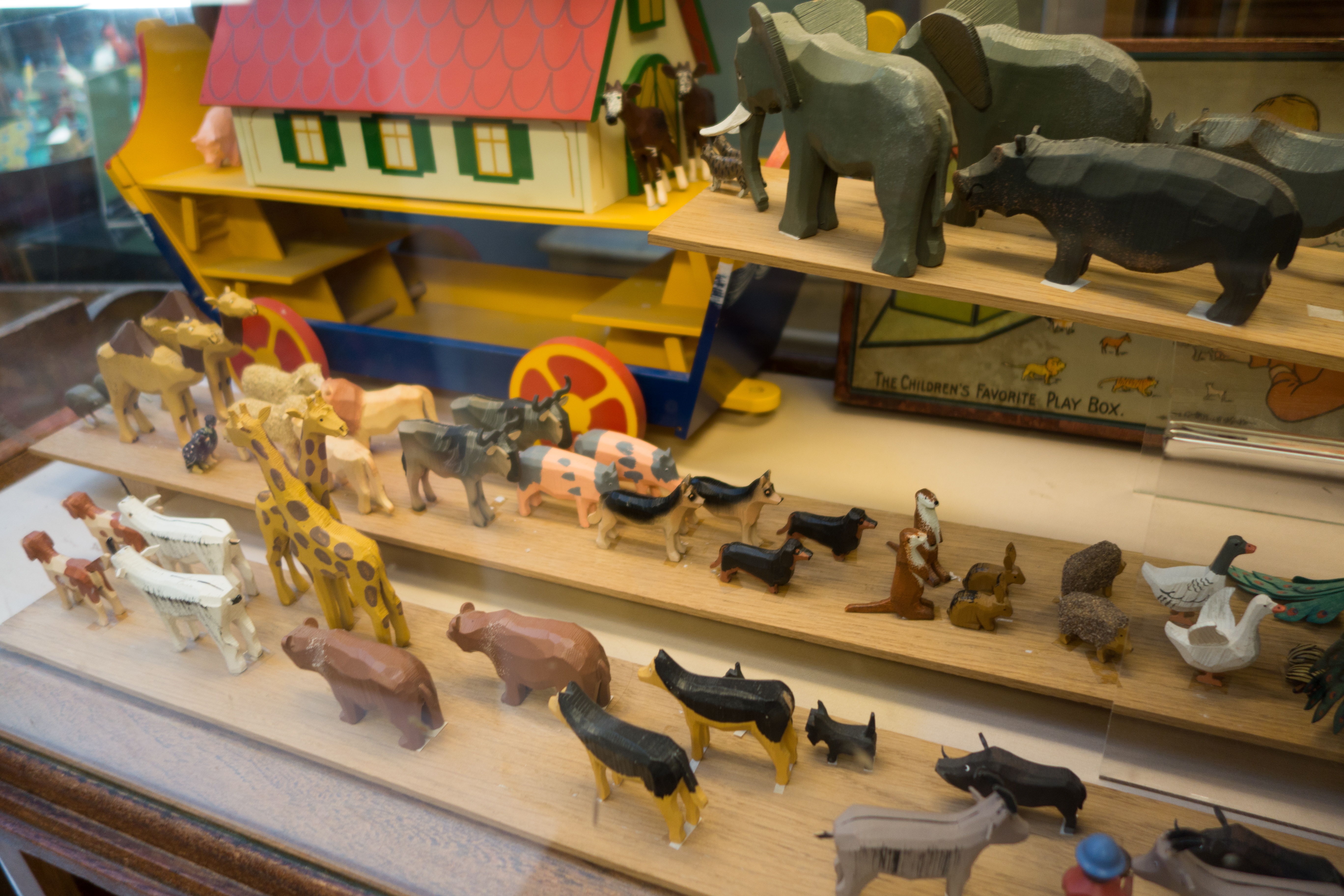 Fileantique Wooden Noahs Ark Animals Two By Two 29466282680jpg