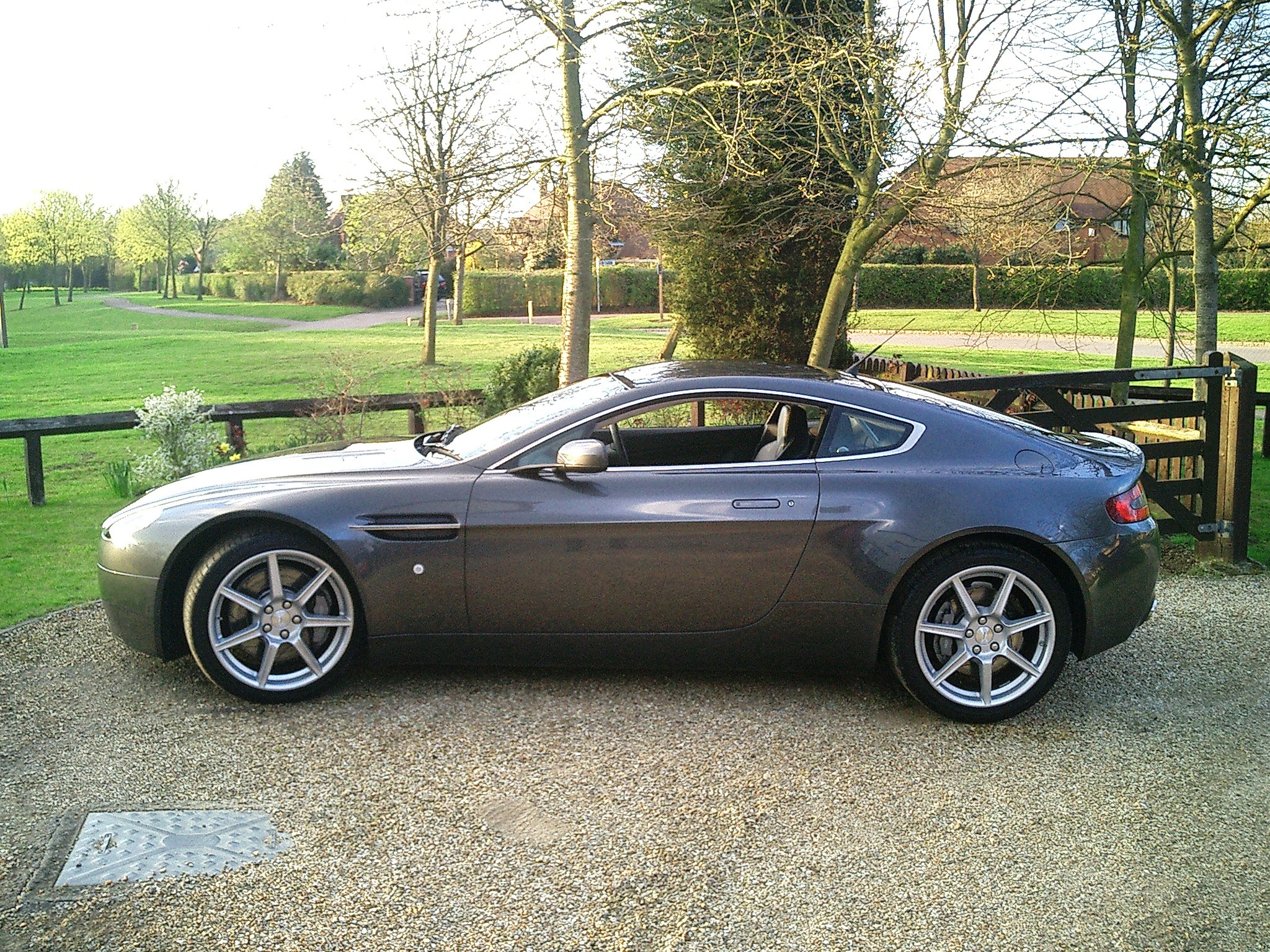 File aston martin v8 vantage coupe side view jpg