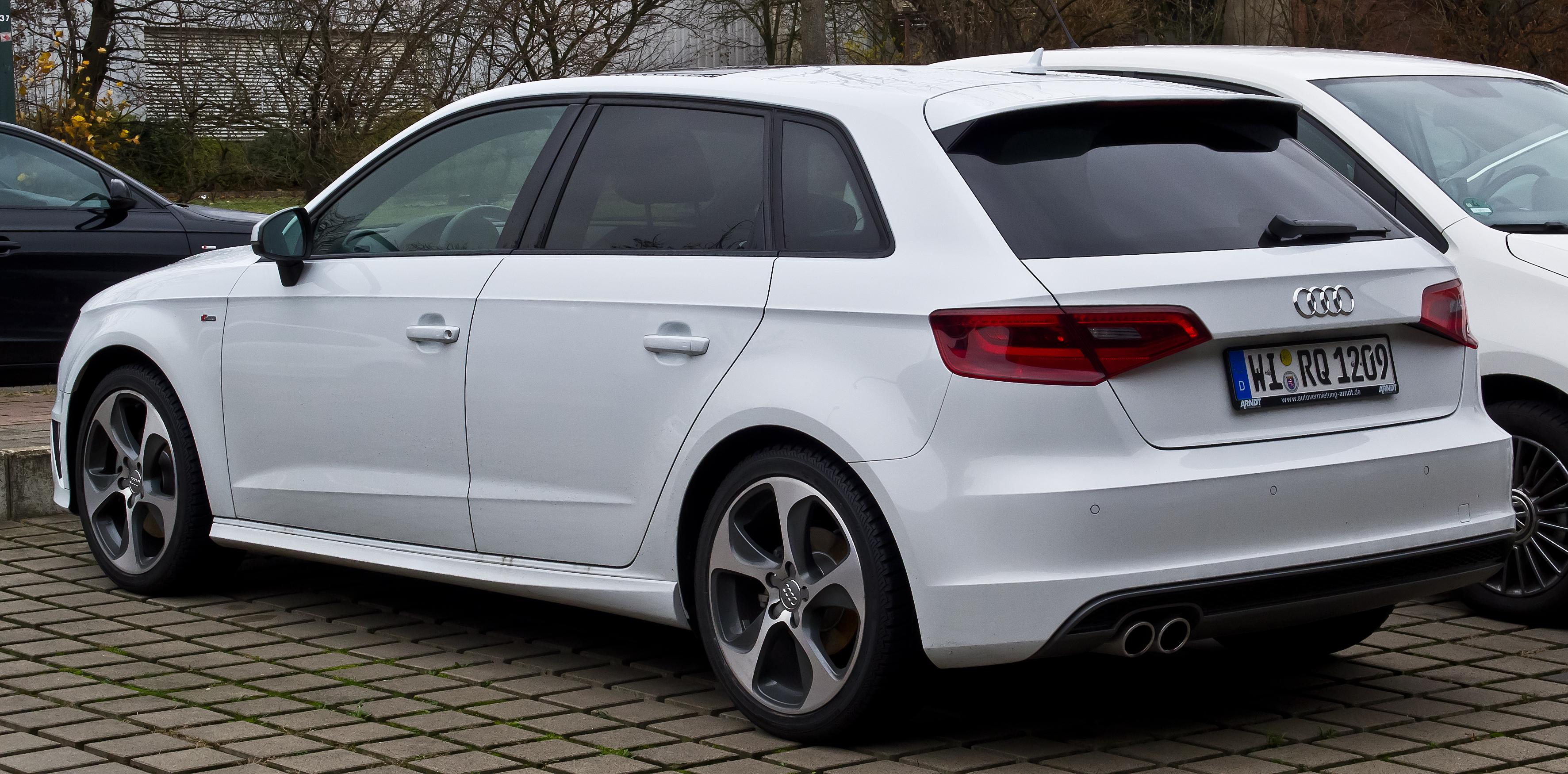 Audi Build Your Own >> File:Audi A3 Sportback S-line (8V) – Heckansicht, 21. Dezember 2014, Düsseldorf.jpg - Wikimedia ...