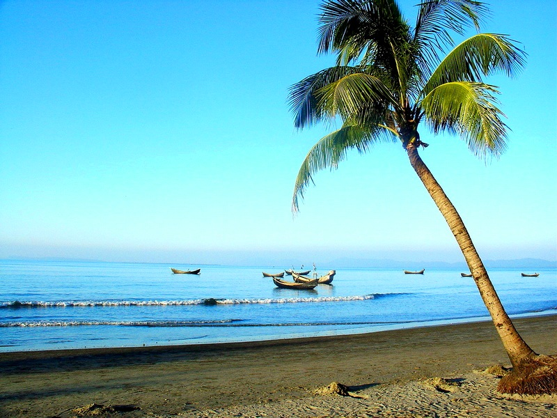 File:Beach View of the Saint Martin's Island.jpg
