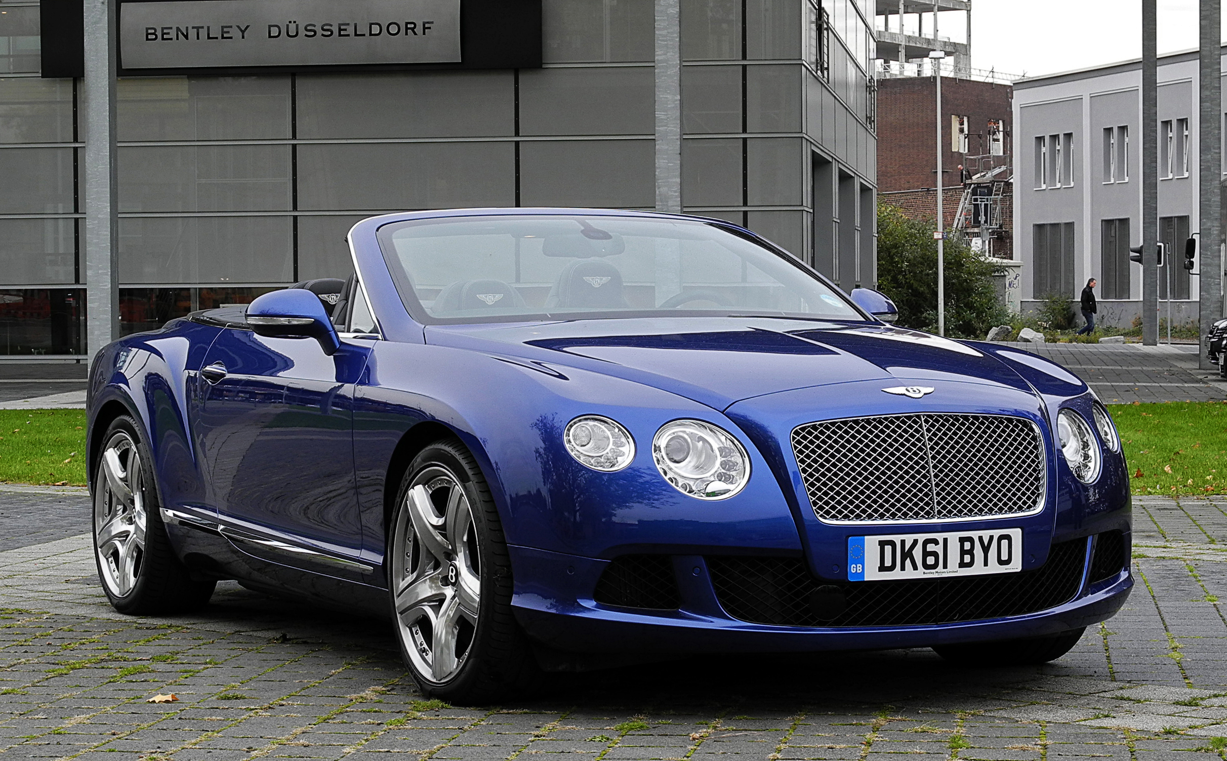 Bentley continental gtc wikiwand vanachro Image collections