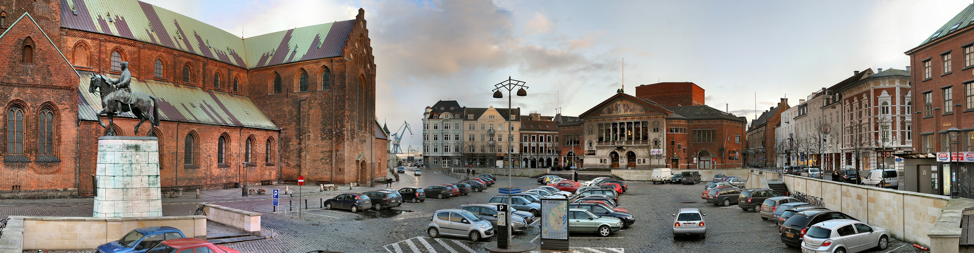 dating århus erotik dansk