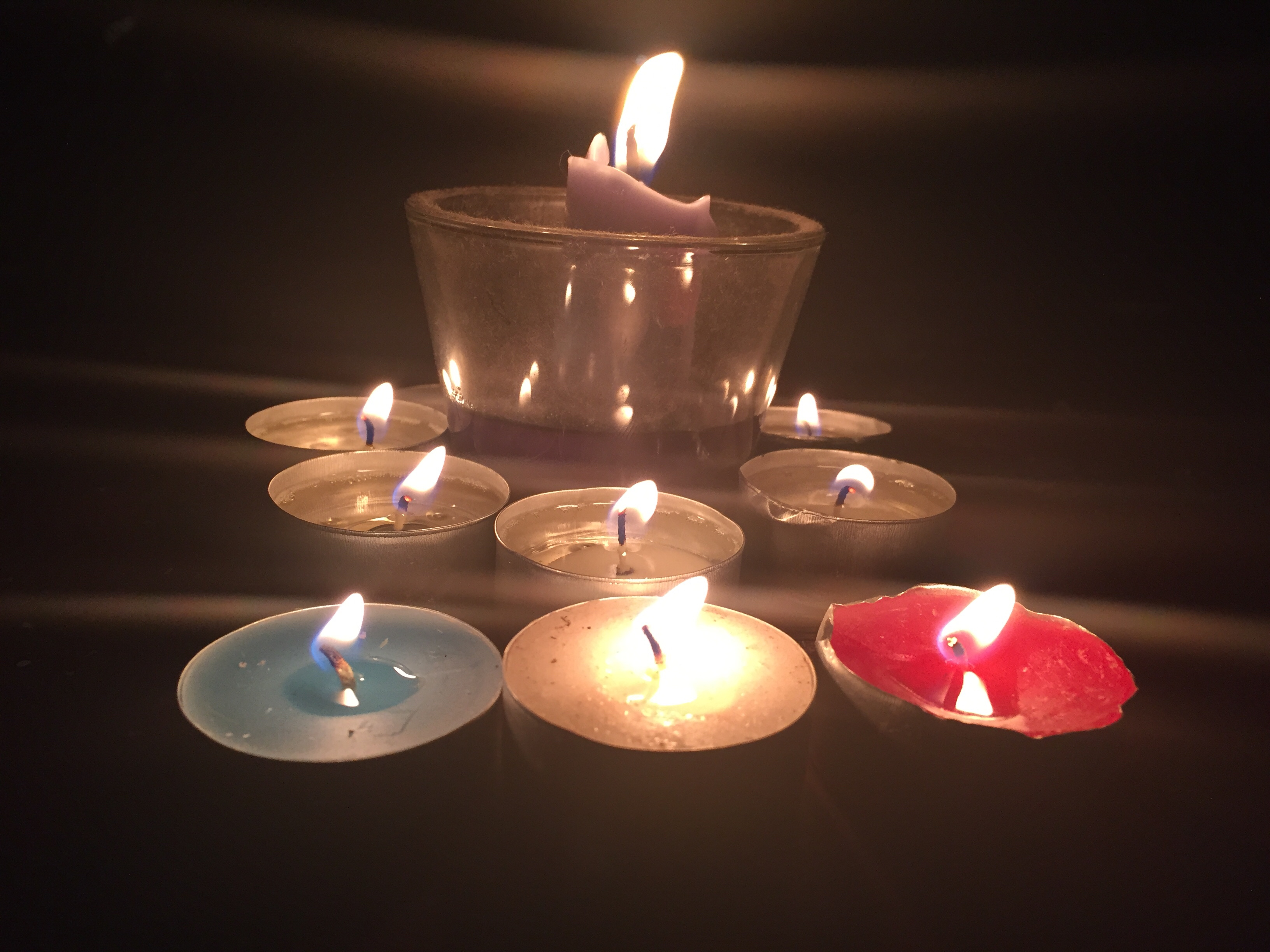 Fileblue White Red Candles In Prayer For People Affected By The