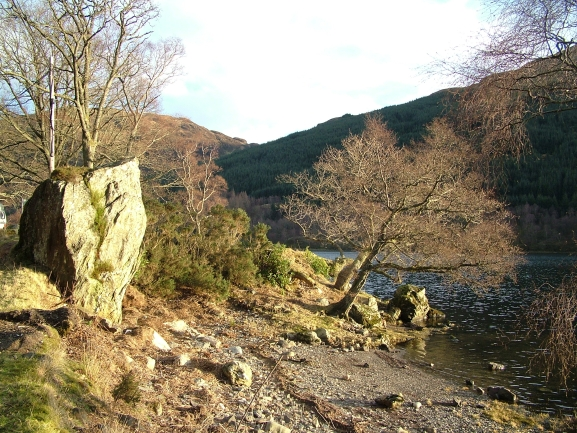 Bruce's Stone, Loch Voil - geograph.org.uk - 346887