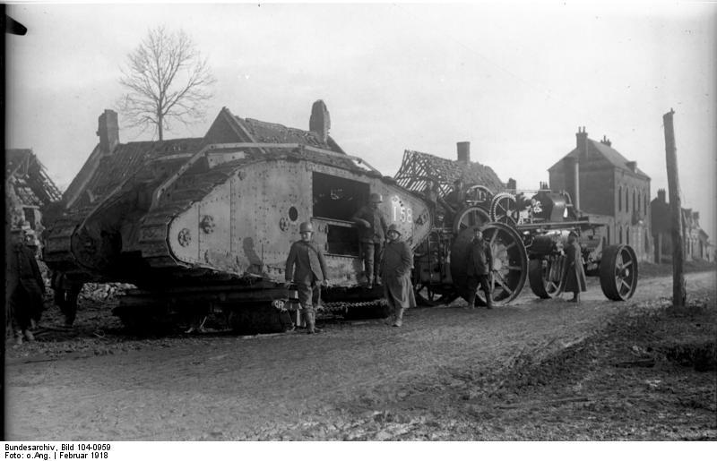 scènes de combat Bundesarchiv_Bild_104-0959%2C_Frankreich%2C_erbeuteter_englischer_Panzer