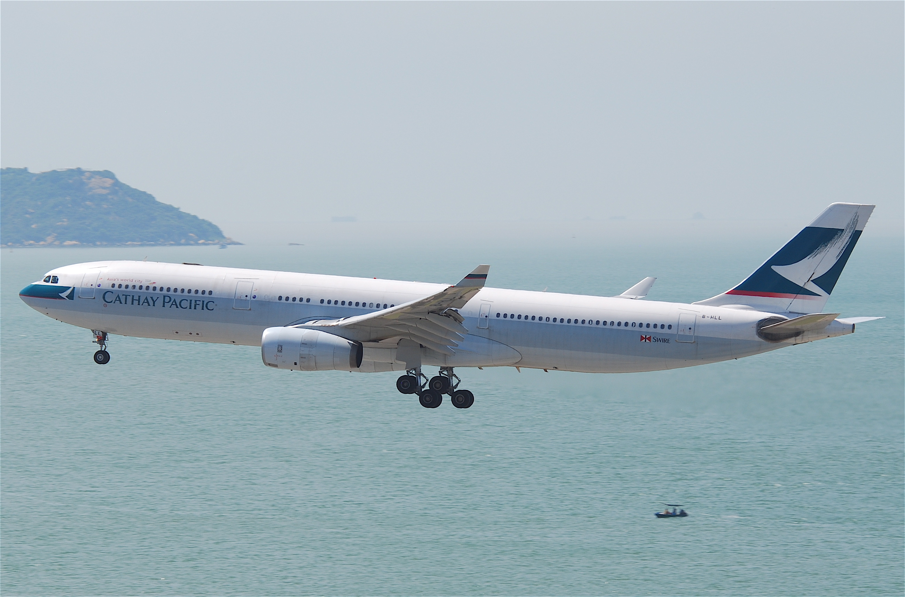 Cathay Pacific Flight 780 - Wikipedia