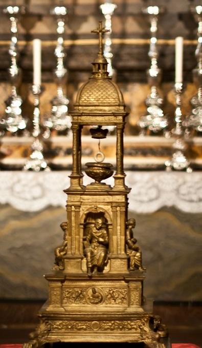 File:Cattedrale di Perugia, reliquiario del Santo Anello.jpg - Wikimedia  Commons
