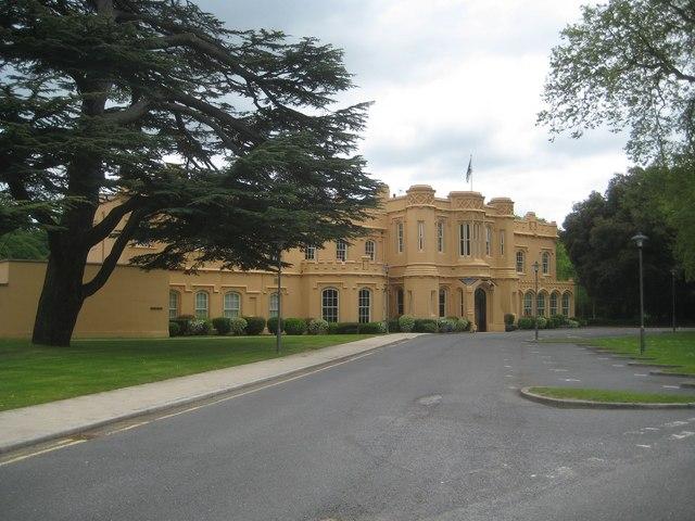 Chalfont St Peter- Chalfont Park House (geograph 4563417)