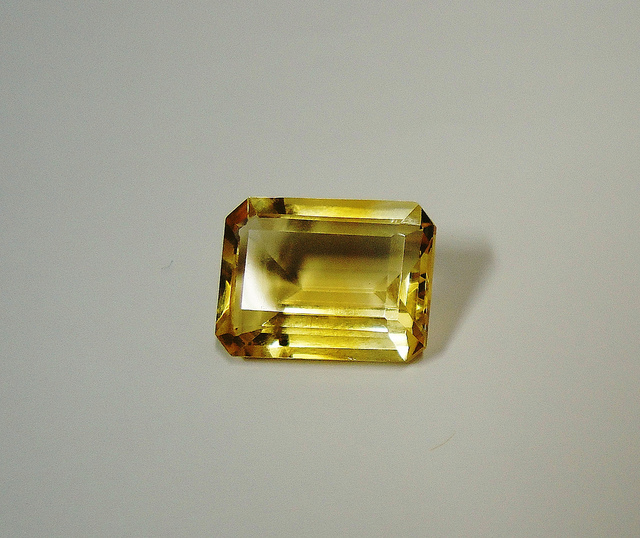 Champagne-colored topaz