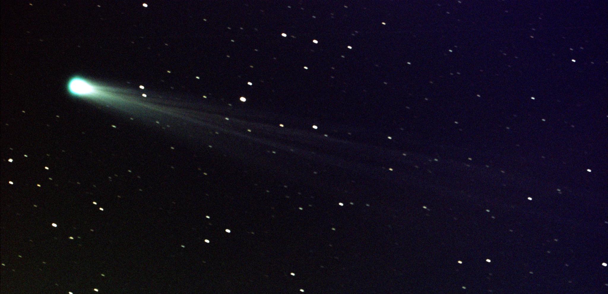 File:Comet ISON Streaks Toward the Sun.png - Wikimedia Commons