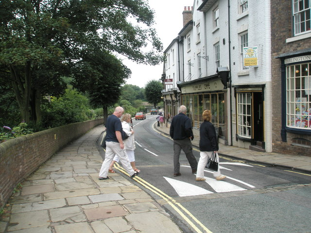 File:Crossing The Wharfage - geograph.org.uk - 1463199.jpg
