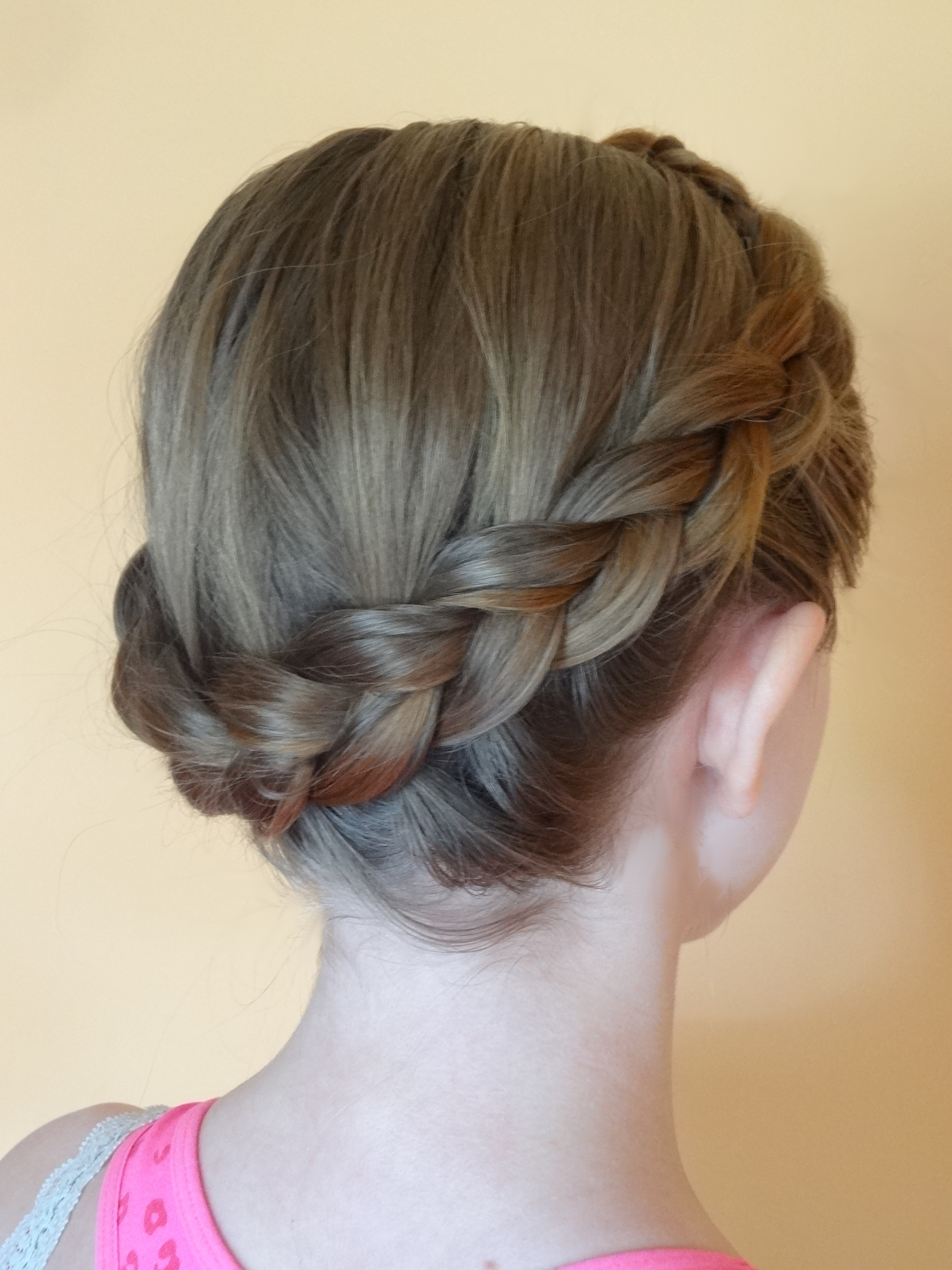 File Dutch Crown Braid Jpg Wikimedia Commons