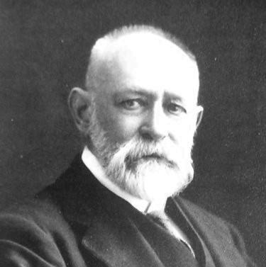 Zoologist Robert De Ville