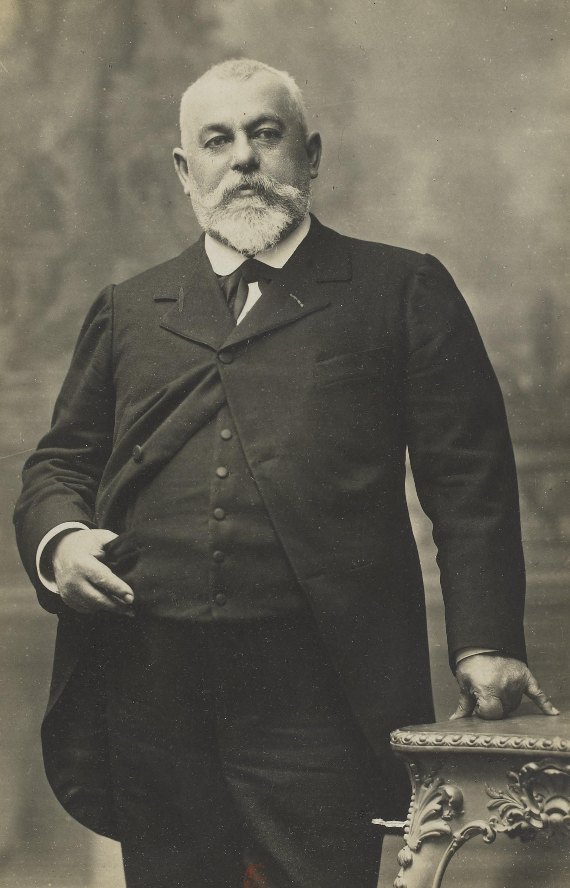 Image of Charles Vapereau from Wikidata