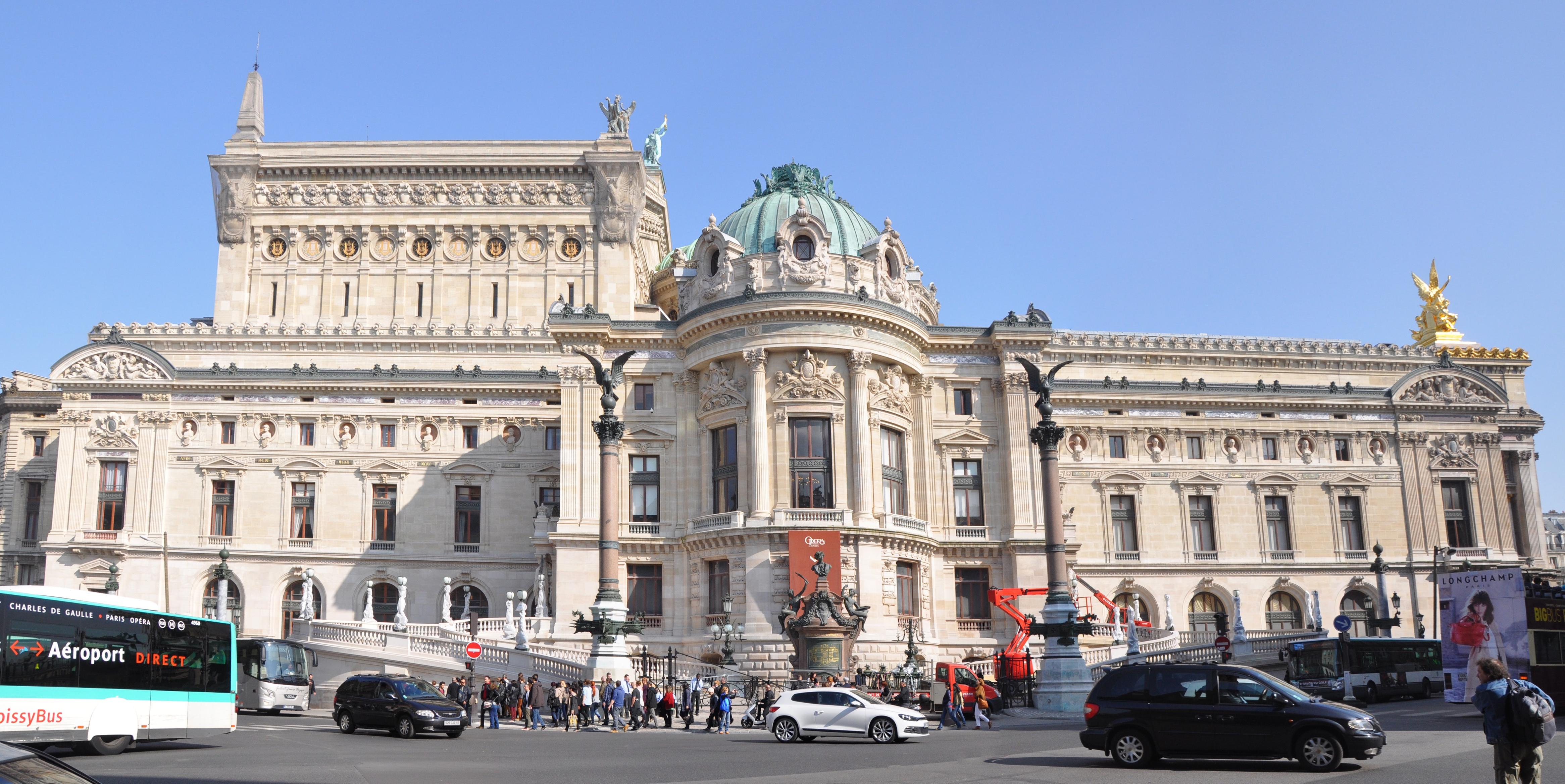 Façade Ouest de l'Opéra Garnier (2014).jpg