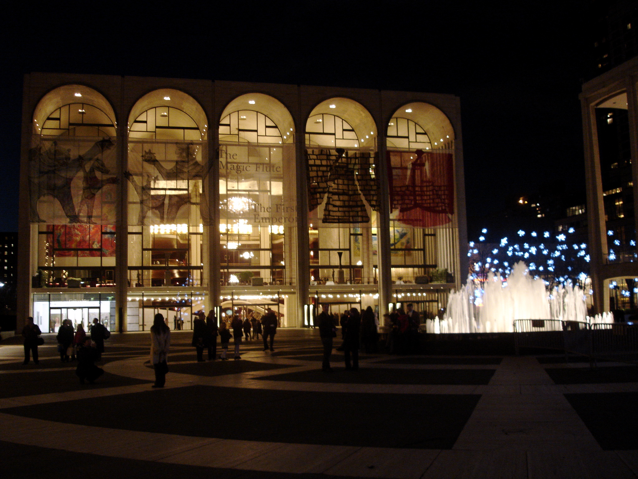 Resultado de imagen para Met Opera House at Lincoln Center