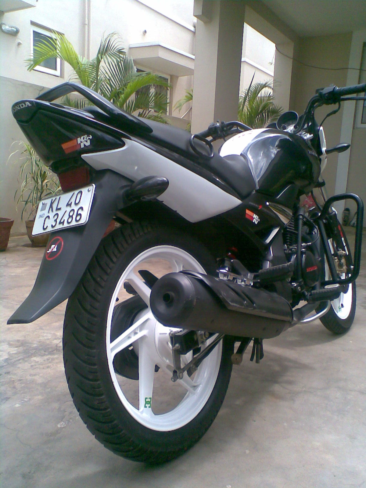 Pictures of Honda Unicorn Modified To R15 - #rock-cafe