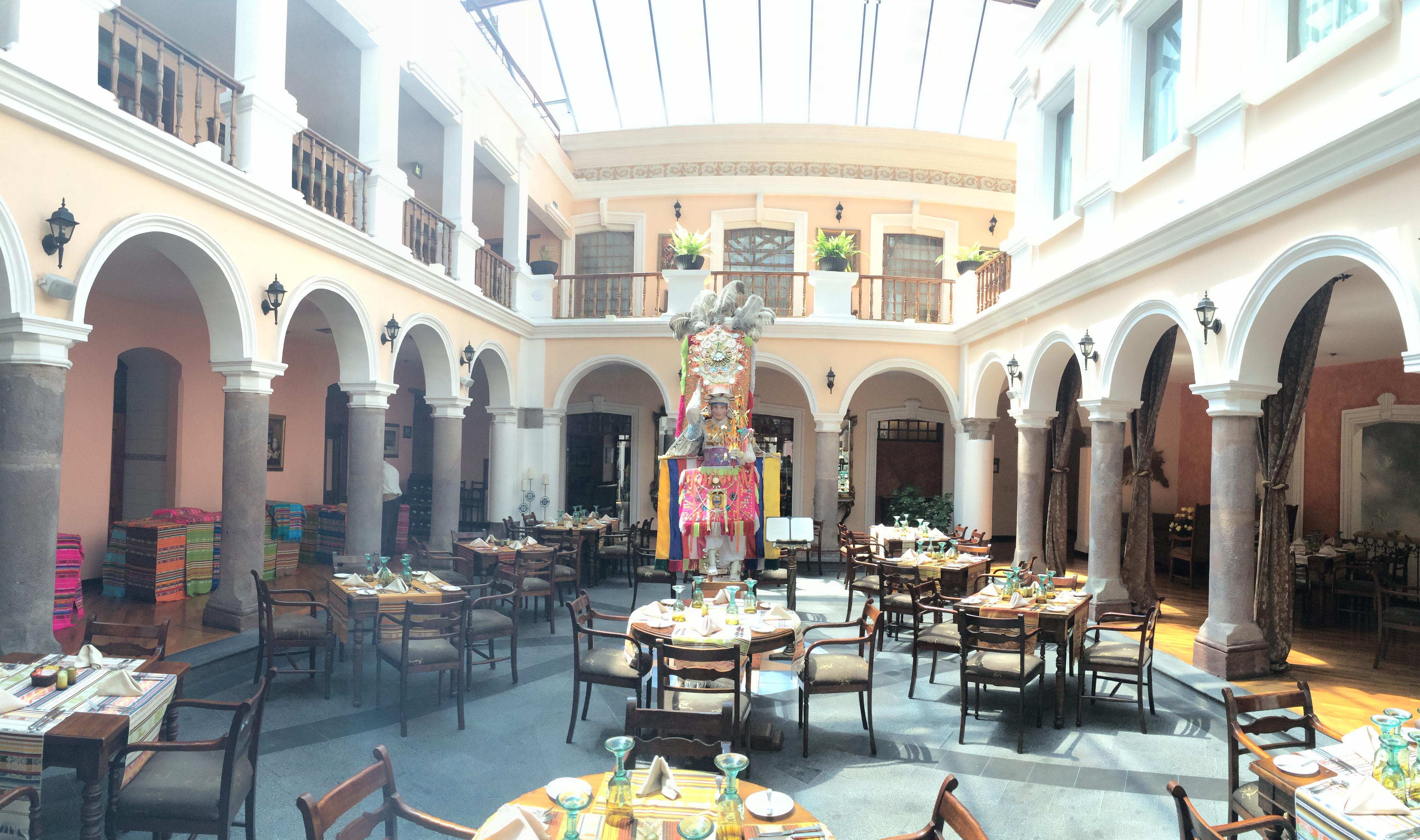 File:Hotel Patio Andaluz, Quito   Equador   Panoramio