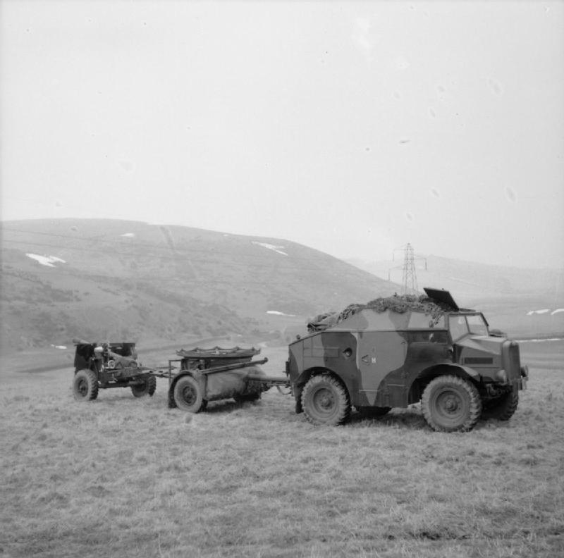 Ordnance, 25 pdr(G-B) IWM-H-8241-Morris-C8-19410320