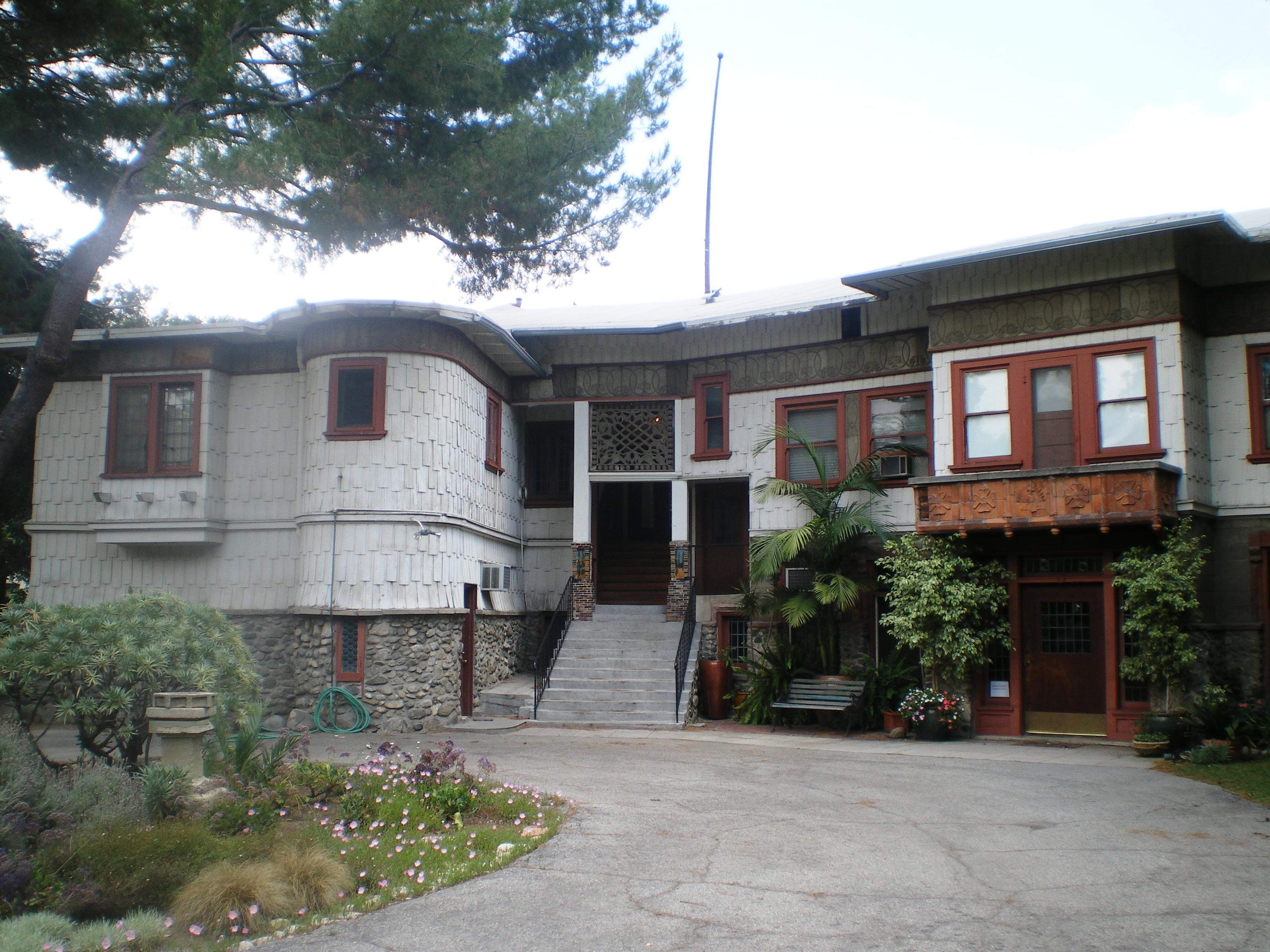 Windsor Studio Apartments