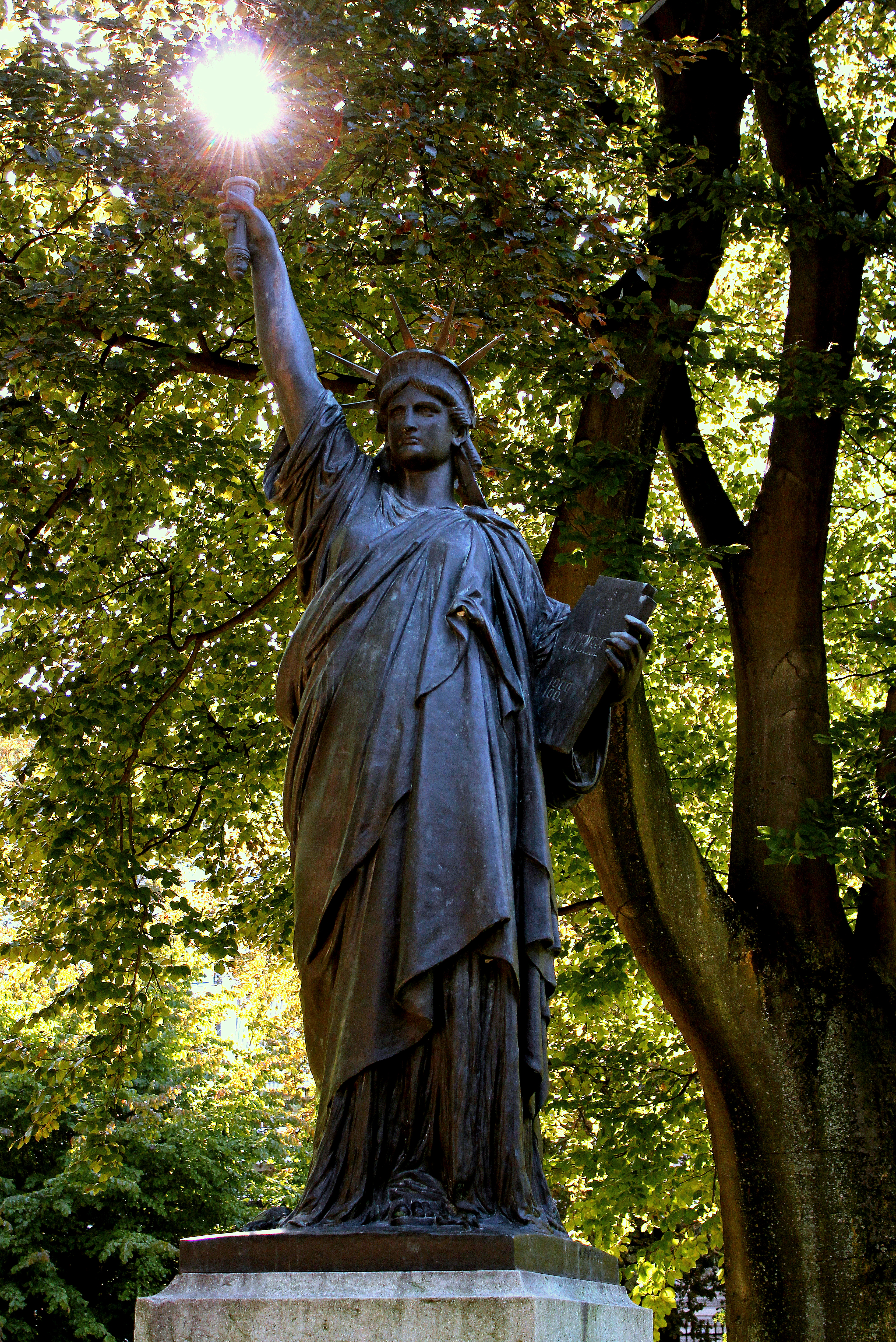 File la statue de la libert jardin du - Statue de la liberte jardin du luxembourg ...