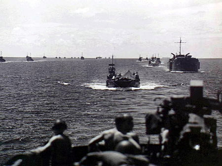 File:Landing craft 017615.jpg