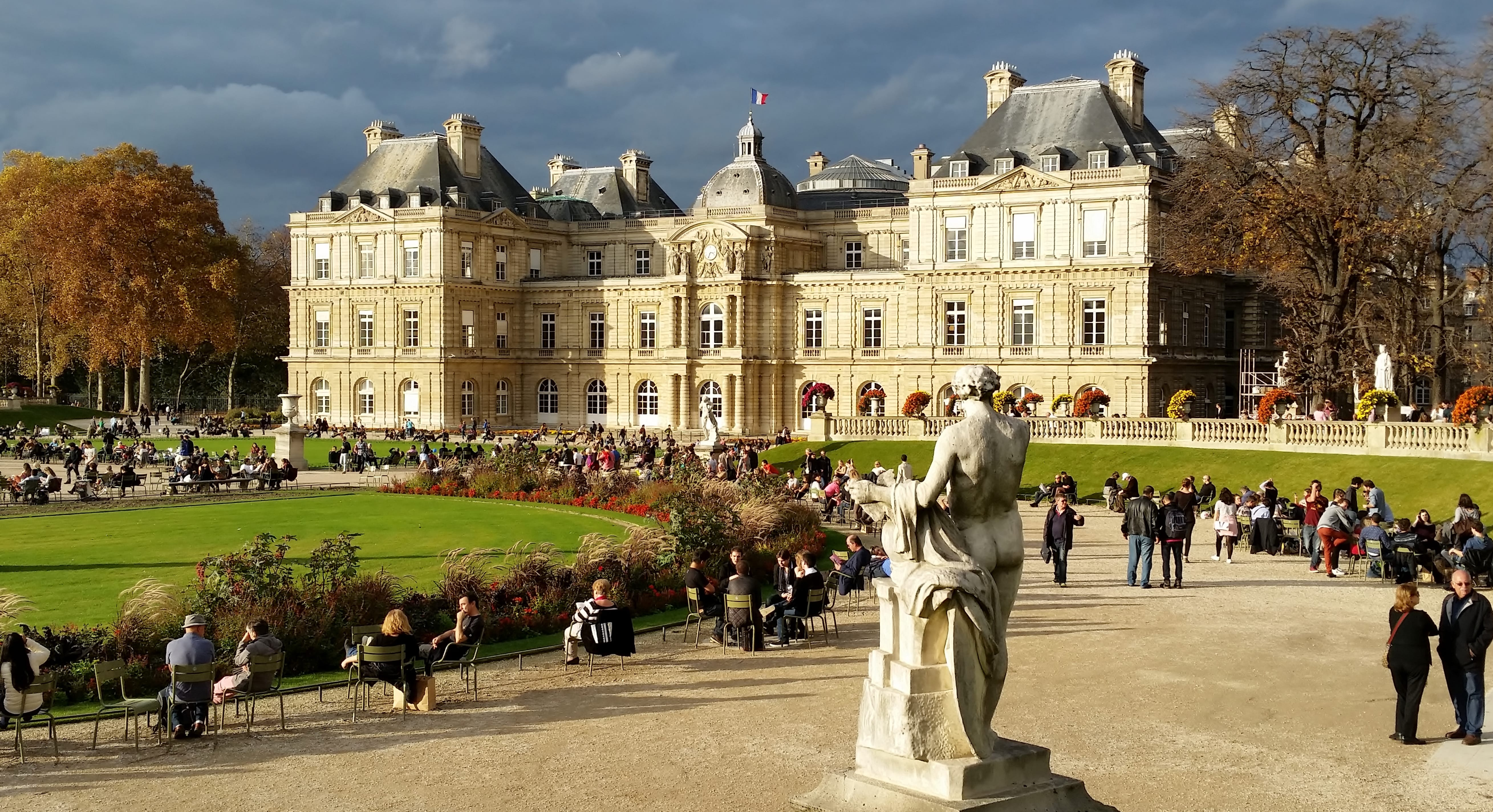 File Luxembourg Gardens In Paris Jpg Wikimedia Commons