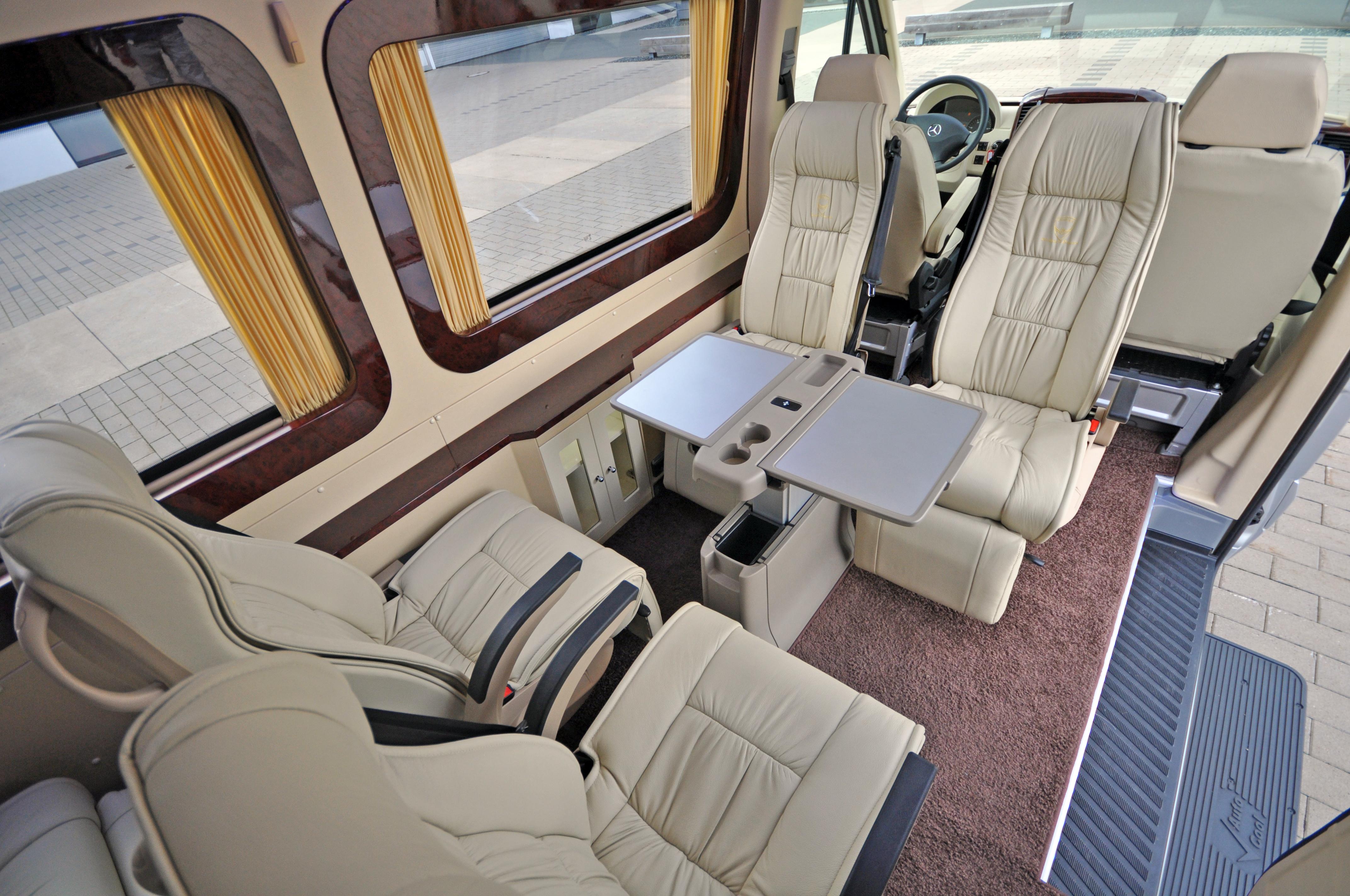 File luxus sprinter interior ah wikimedia for Interior auf deutsch