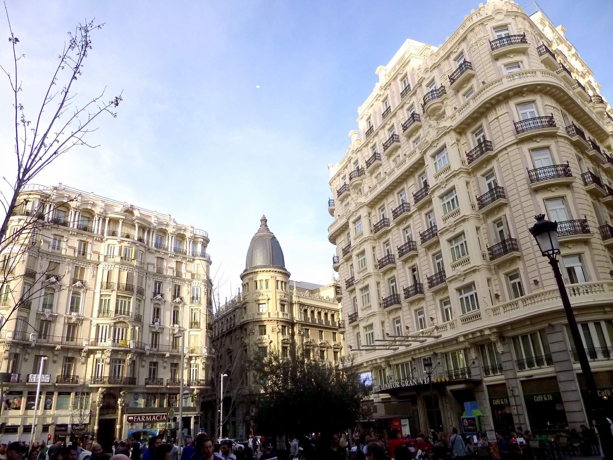 File madrid hotel senator gran v a derecha edificio - Hotel only you en madrid ...