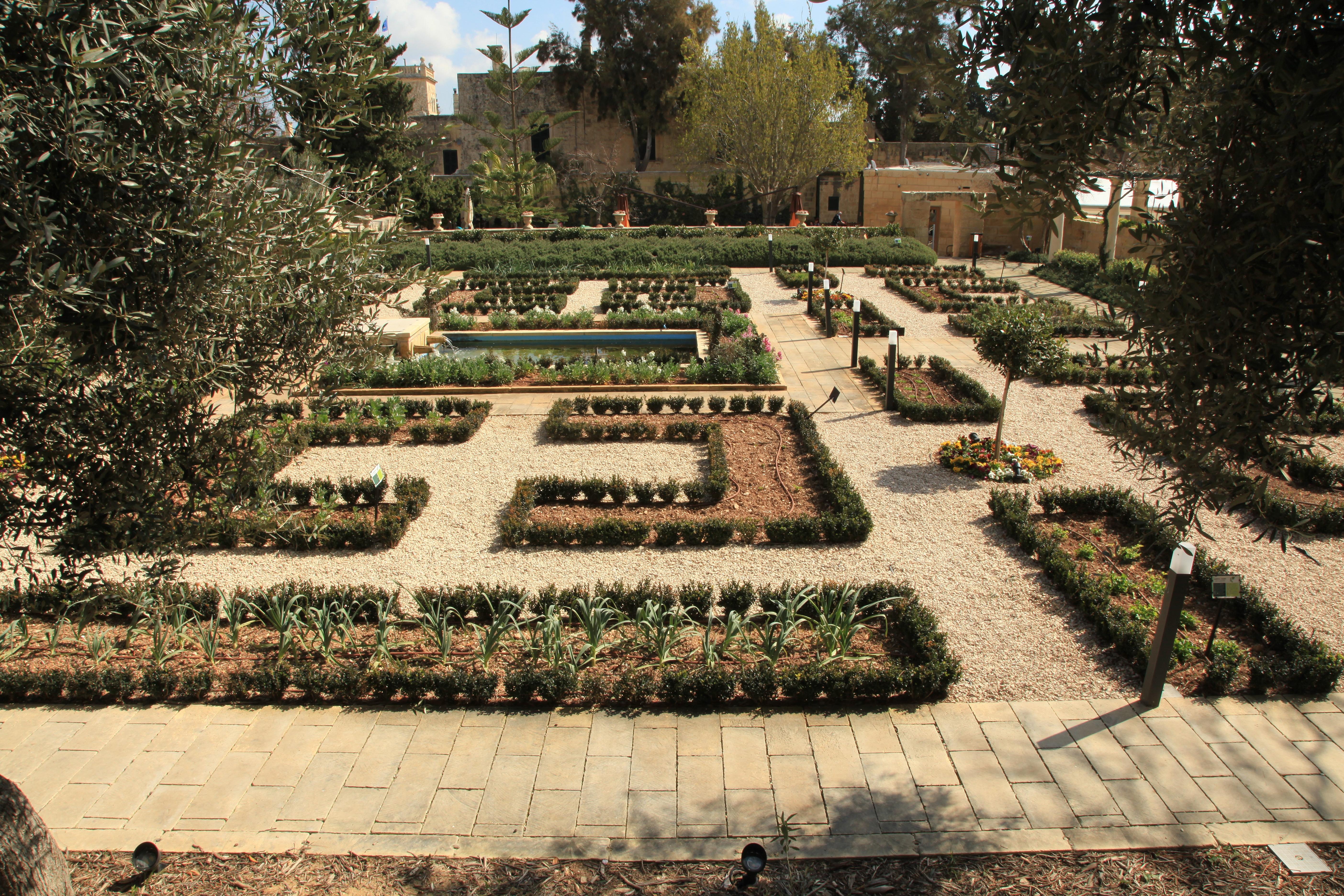 File:Malta - Attard - Triq San Anton - Kitchen Garden 08 ies.jpg ...