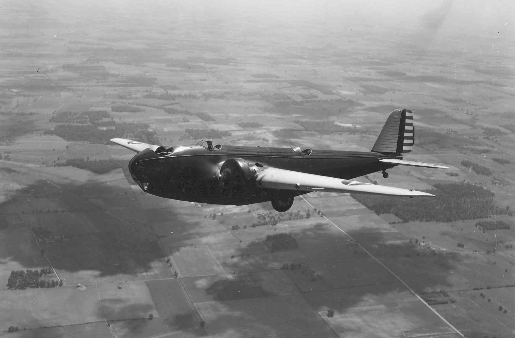 file martin xb 907 in flight jpg wikimedia commons