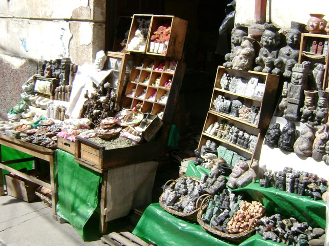 things to do in La Paz Bolivia Mercado de las Brujas