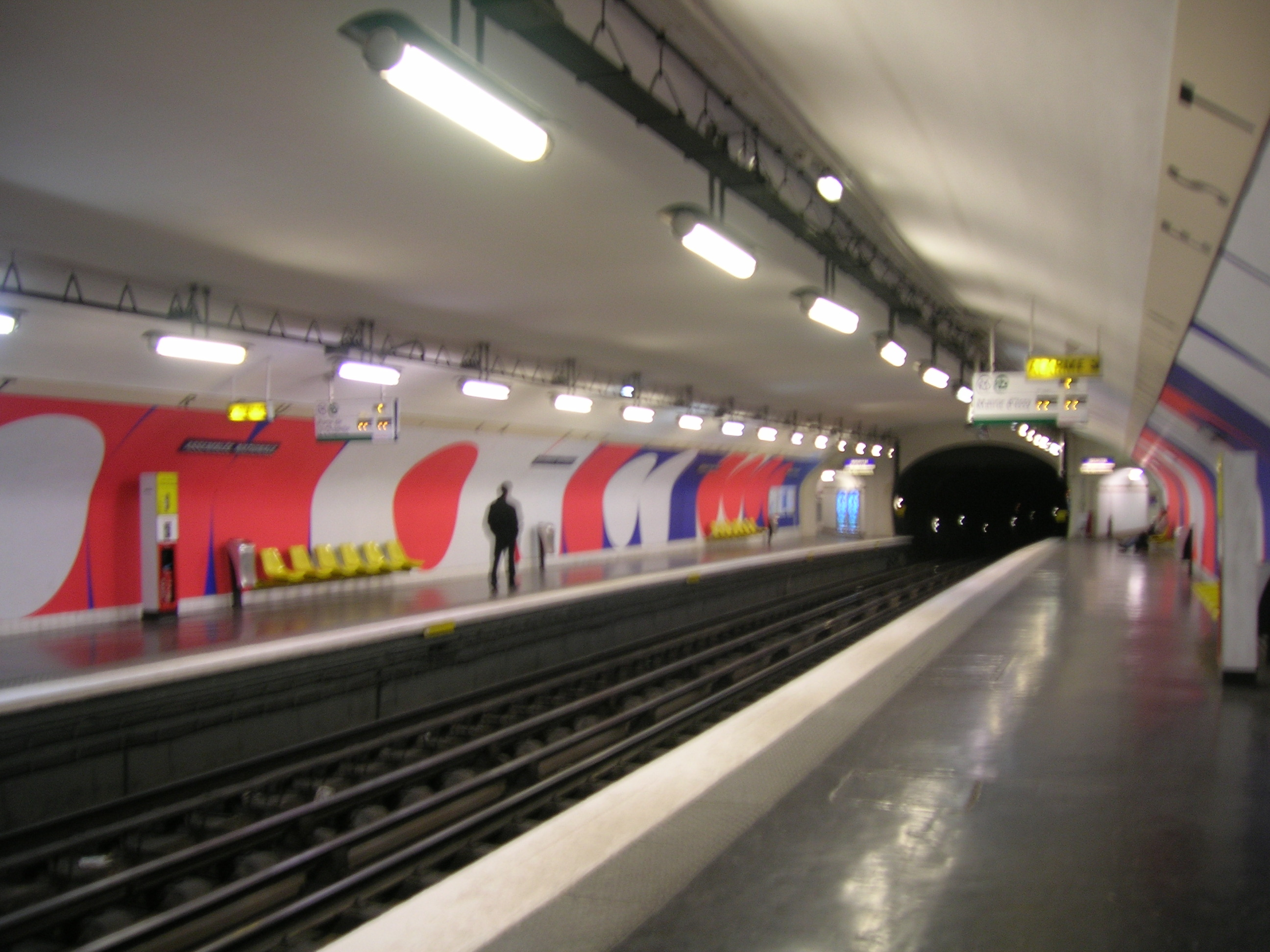 Assembl e nationale metro w pary u for Quai d orsay metro