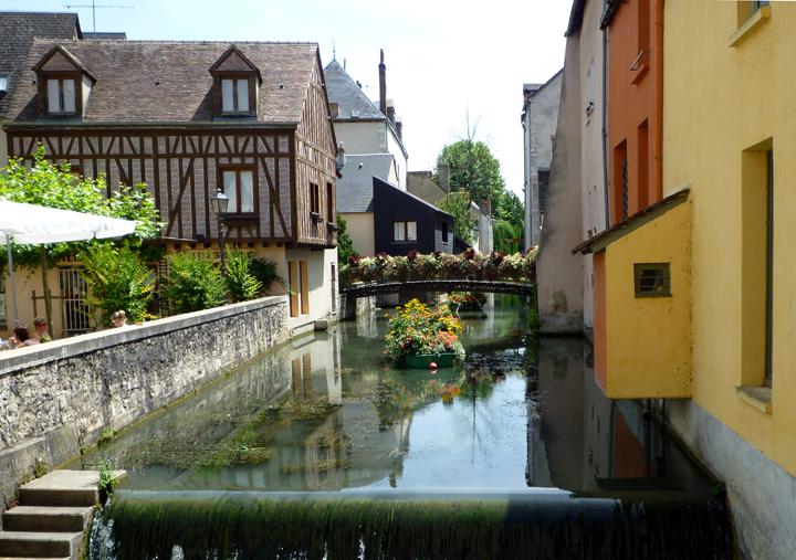 Fichier:Montargis-canal-France.JPG