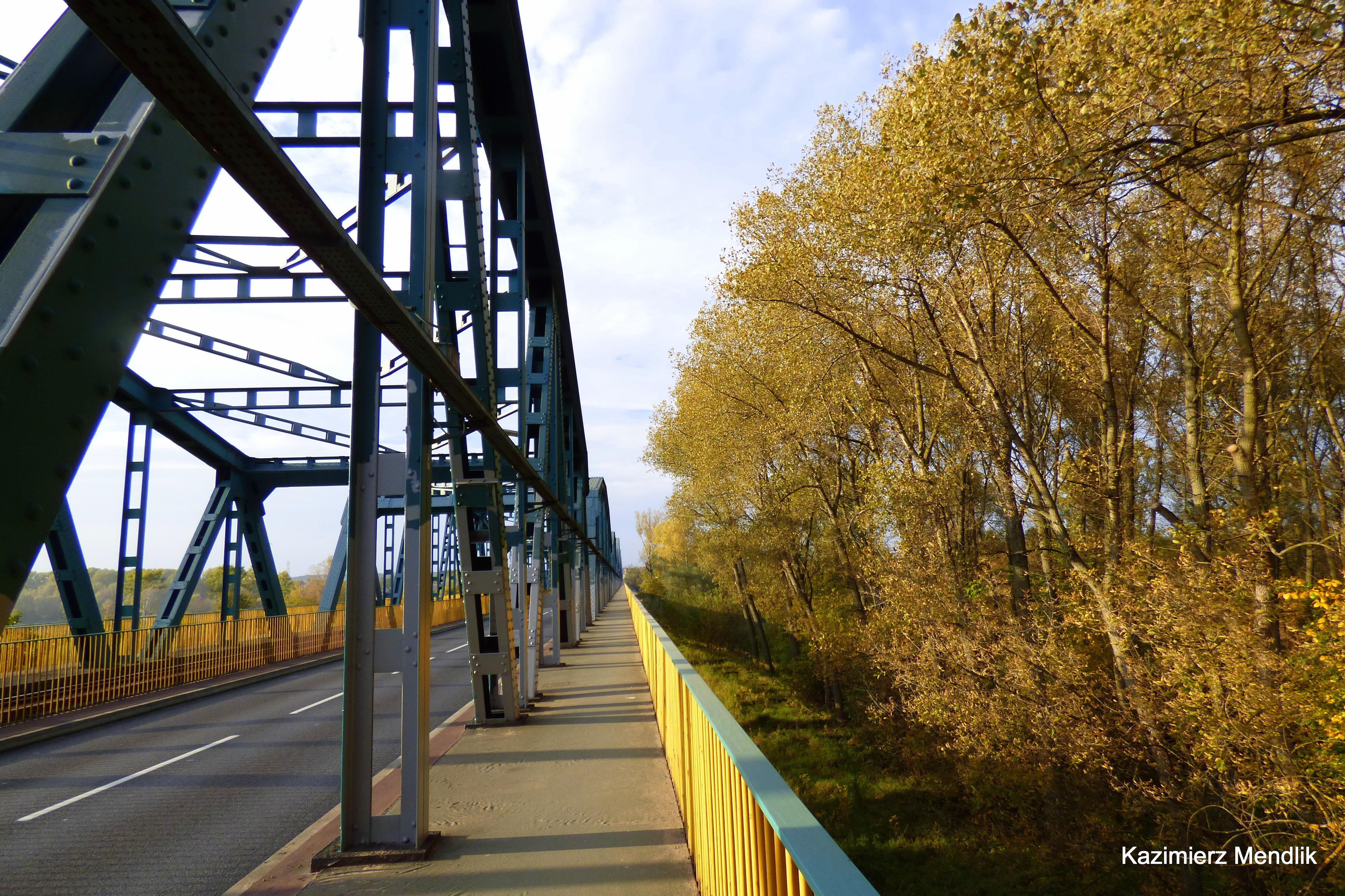 File:Most fordoński im  Rudolfa Modrzejewskiego – most
