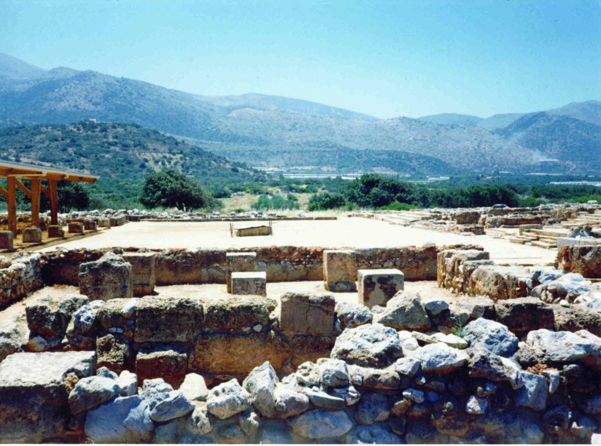 File:Palace of Malia (Crete) 1994.jpg