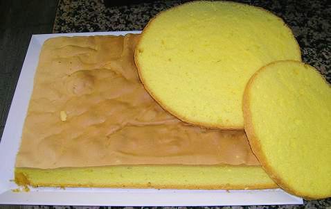 Sponge Cake With Sour Cream