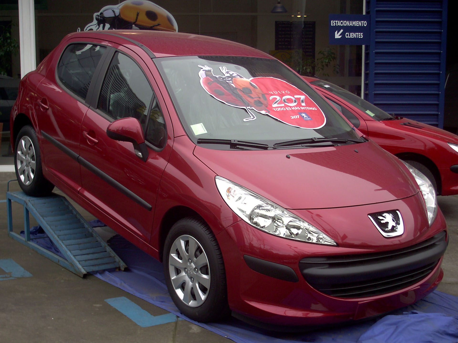 file peugeot 207 1 4 trendy 2007 12280169854 jpg wikimedia commons. Black Bedroom Furniture Sets. Home Design Ideas