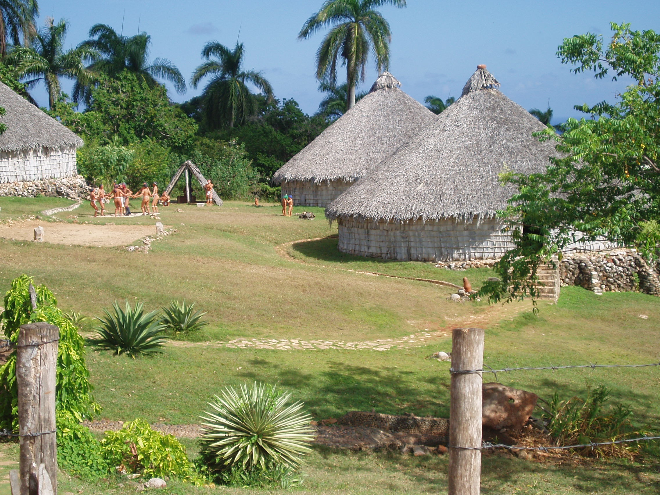 http://upload.wikimedia.org/wikipedia/commons/e/e5/Reconstruction_of_Taino_village%2C_Cuba.JPG
