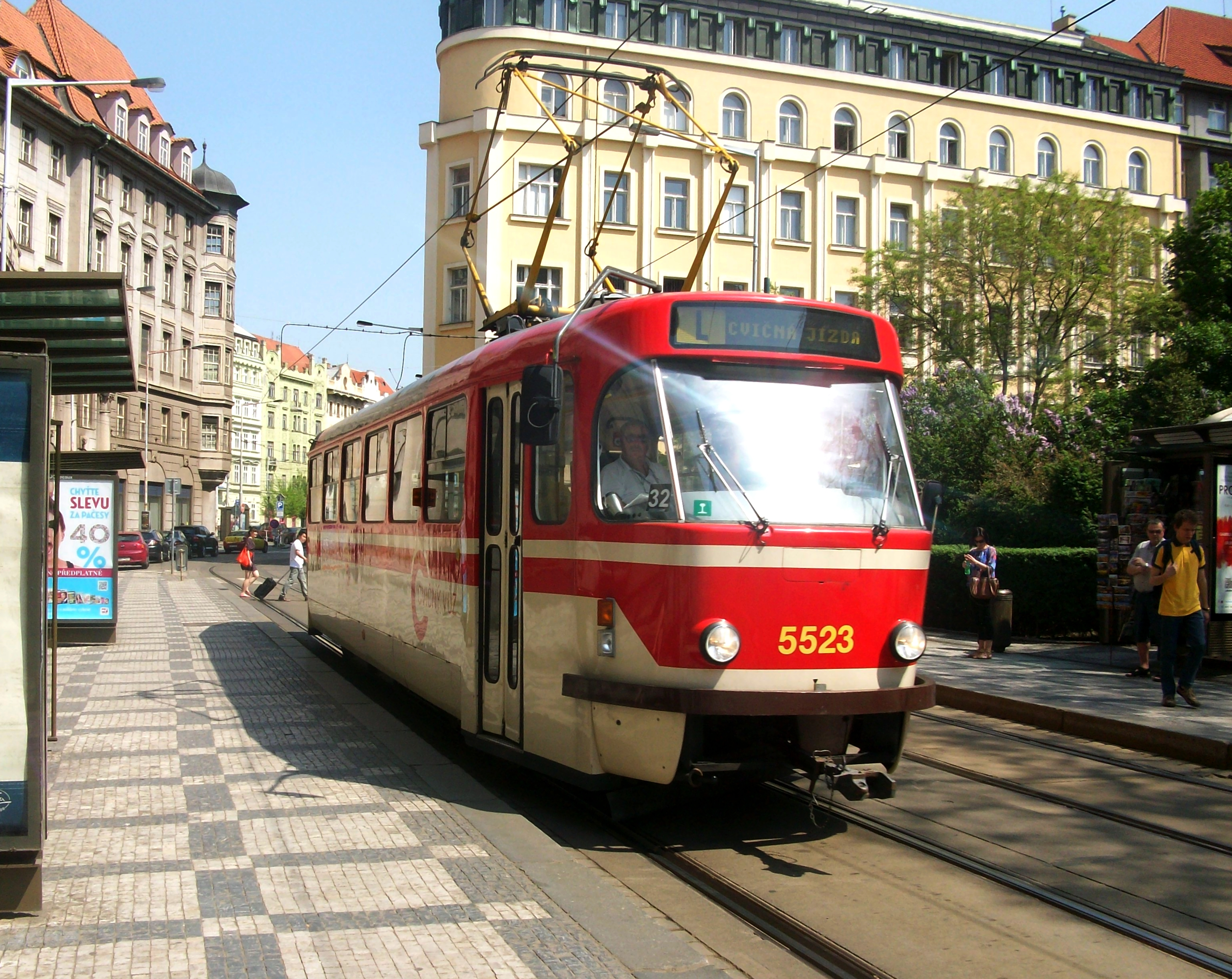 P n°5523 driving school tram in Prague.JPG