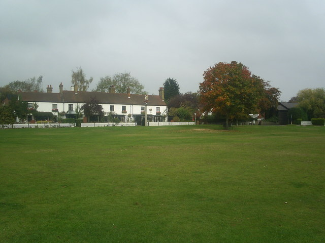 The Two Brewers pub at Chipperfield with part of Chipperfield common in foreground - geograph.org.uk - 691093