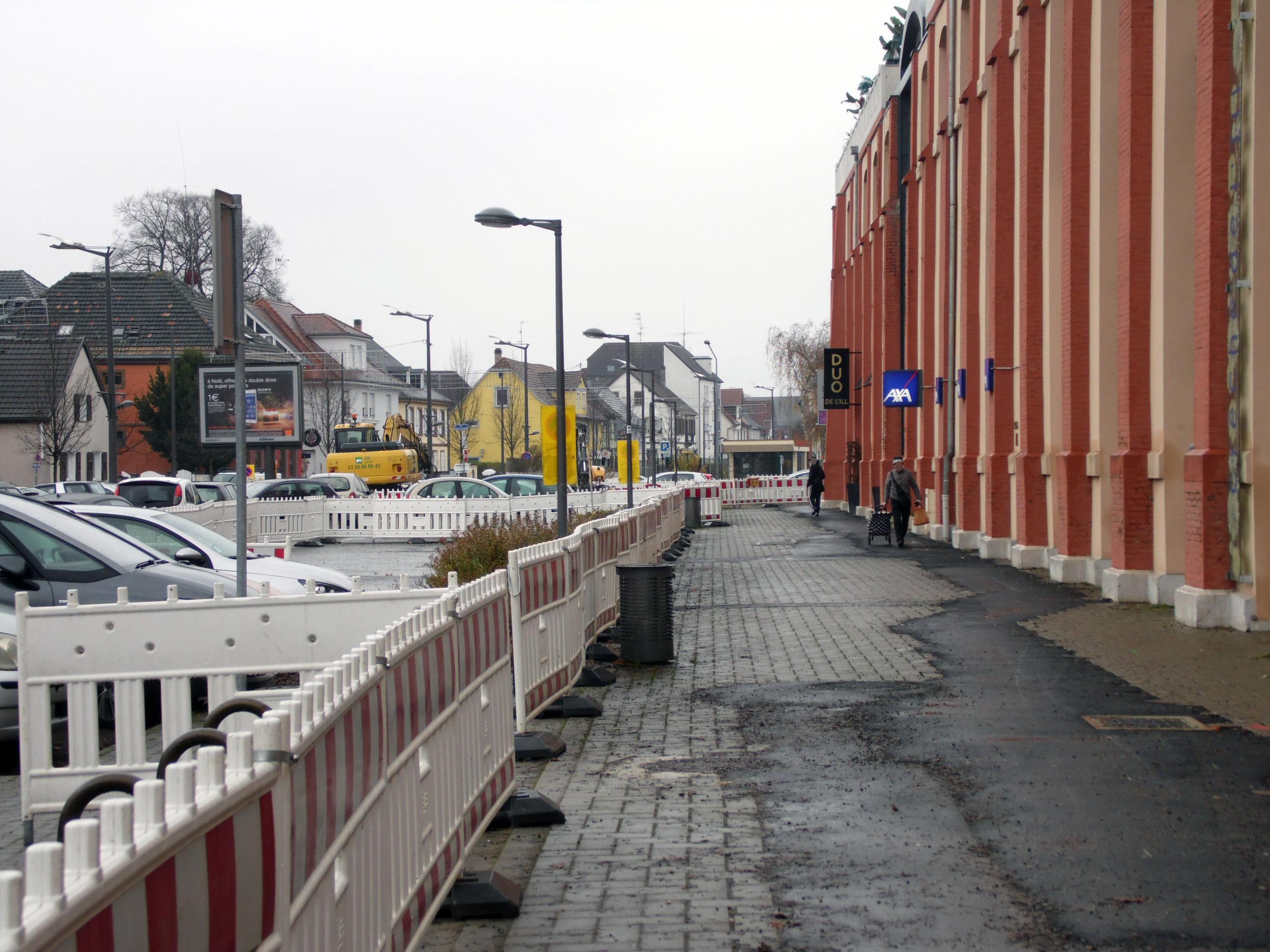file travaux tram a parc stationnement route lyon illkirch graffenstaden. Black Bedroom Furniture Sets. Home Design Ideas