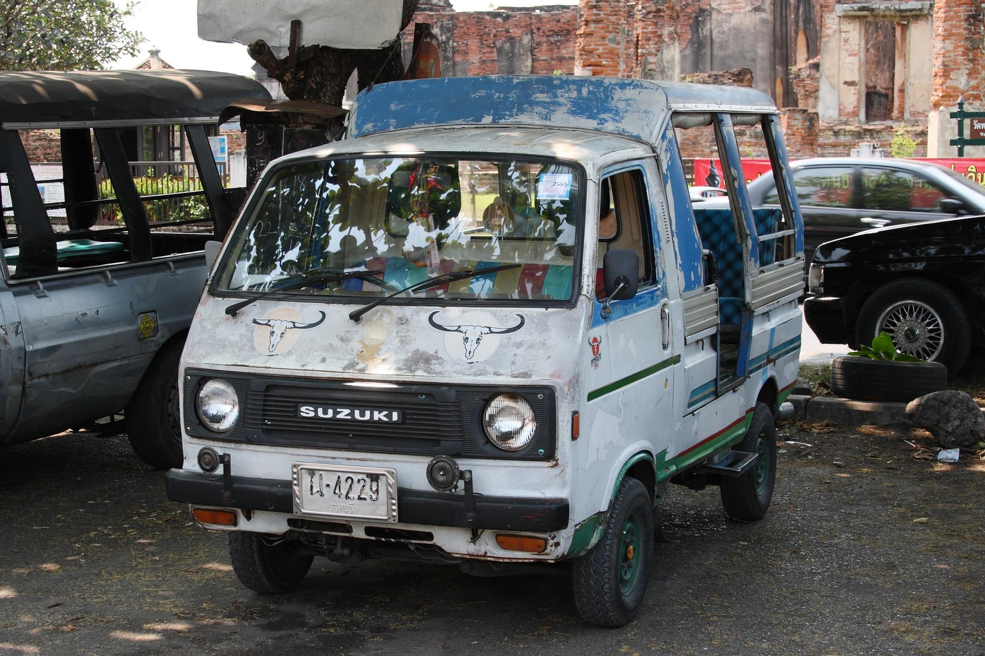 FileTruck Taxi In Lopburi 01