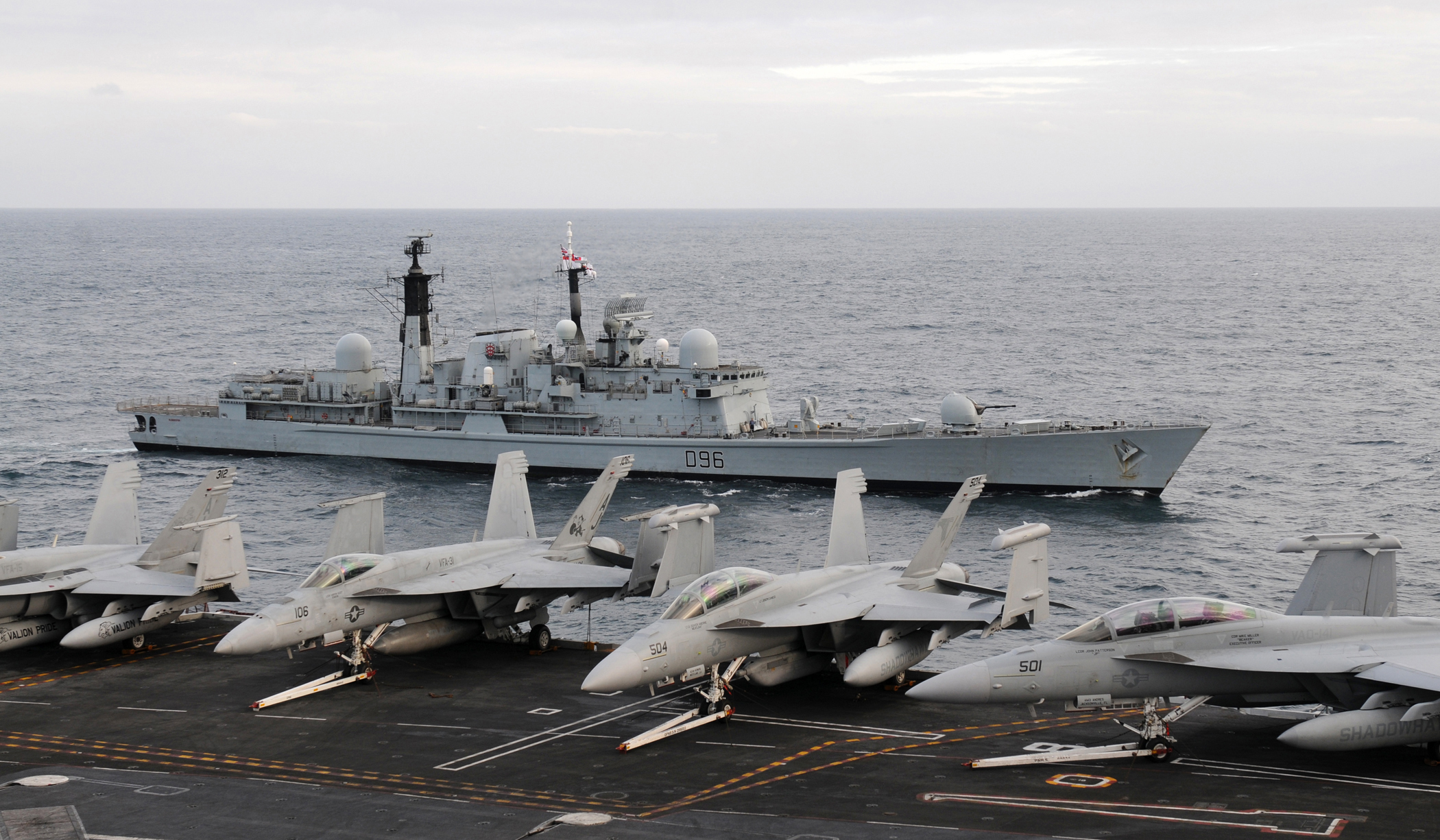 Moment HMS Queen Elizabeth met up with USS George H.W