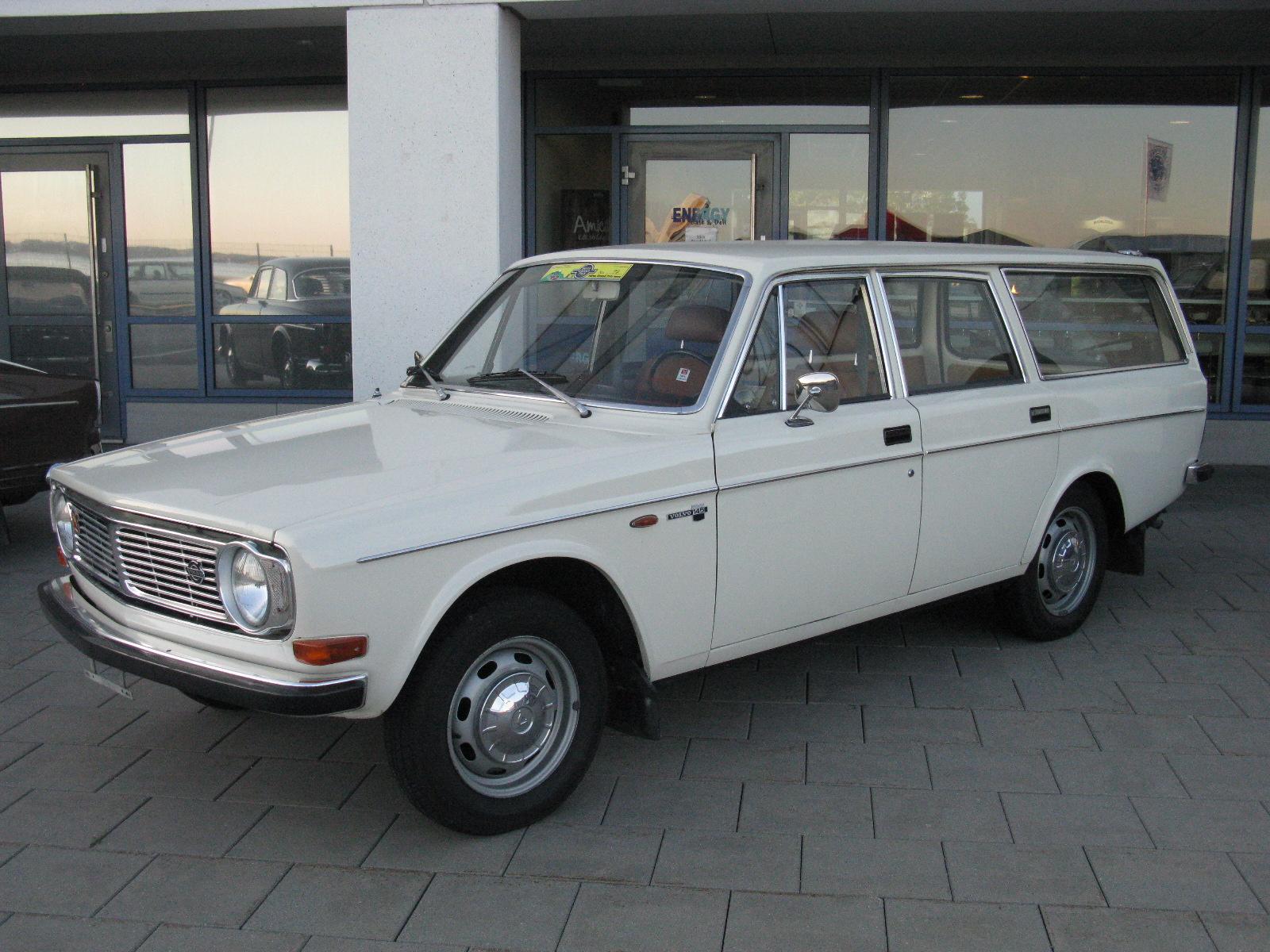 Volvo_145_%287791899664%29.jpg
